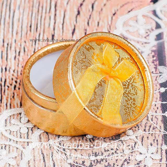 Что подарить на золотую свадьбу знакомым недорого